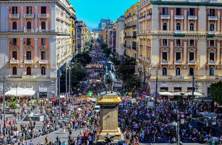 Napoli - Piazza Bovio